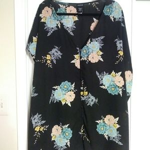 Torrid floral button up blouse